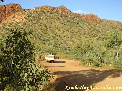 The scenic drive to the Bungles NP