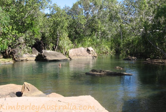 Natural rock pool on the way to the Mitchell Falls