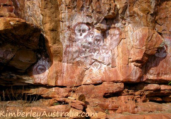 Rock art at Mt. Elizabeth Station